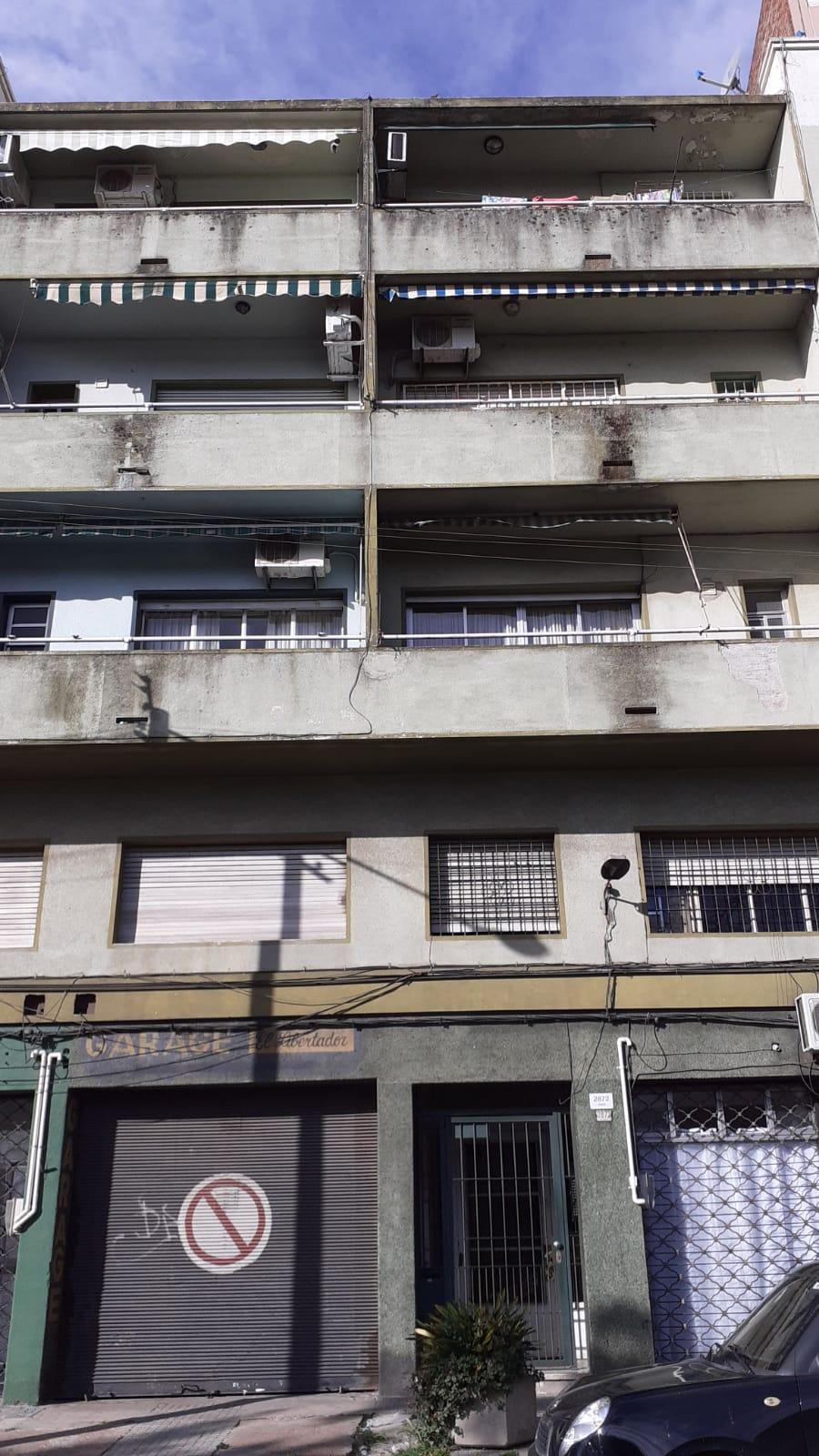 SEÑADO – Alquiler Apartamento de tres dormitorios en Bella Vista.