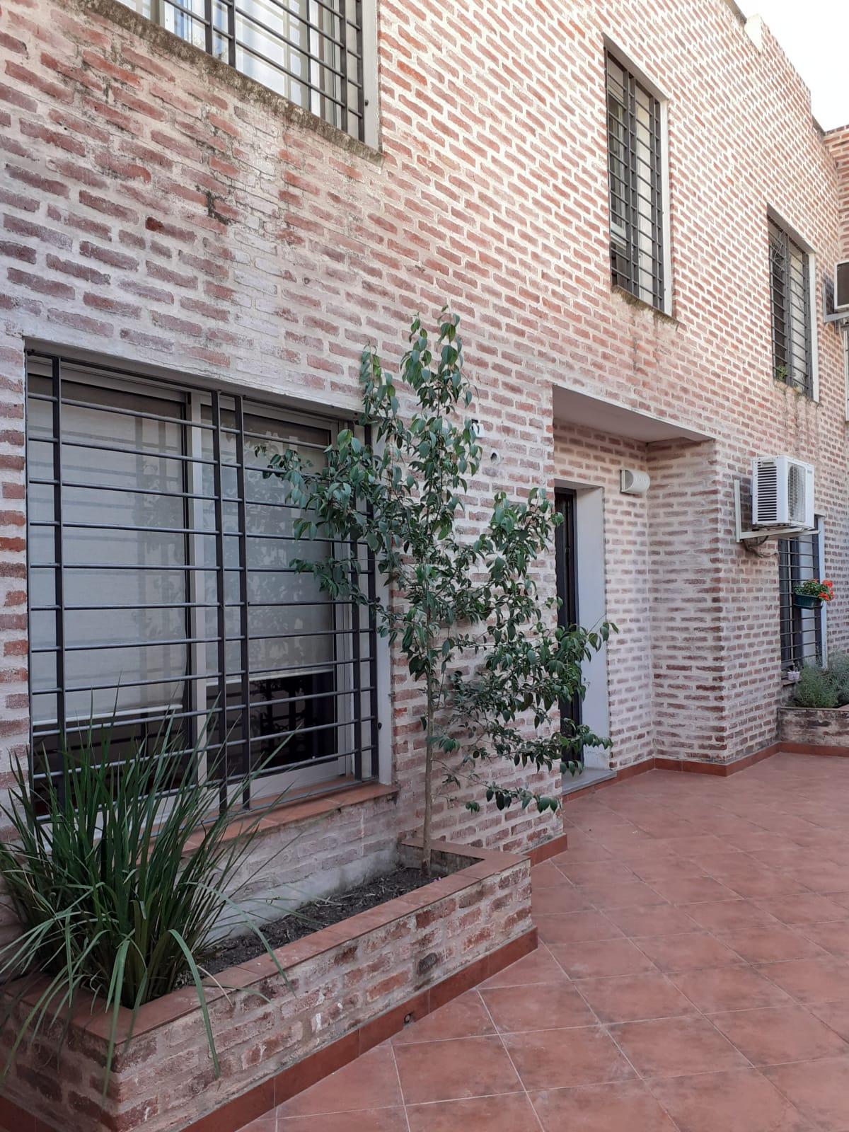 Alquiler apartamento de 2 dormitorios en barrio La Blanqueada.