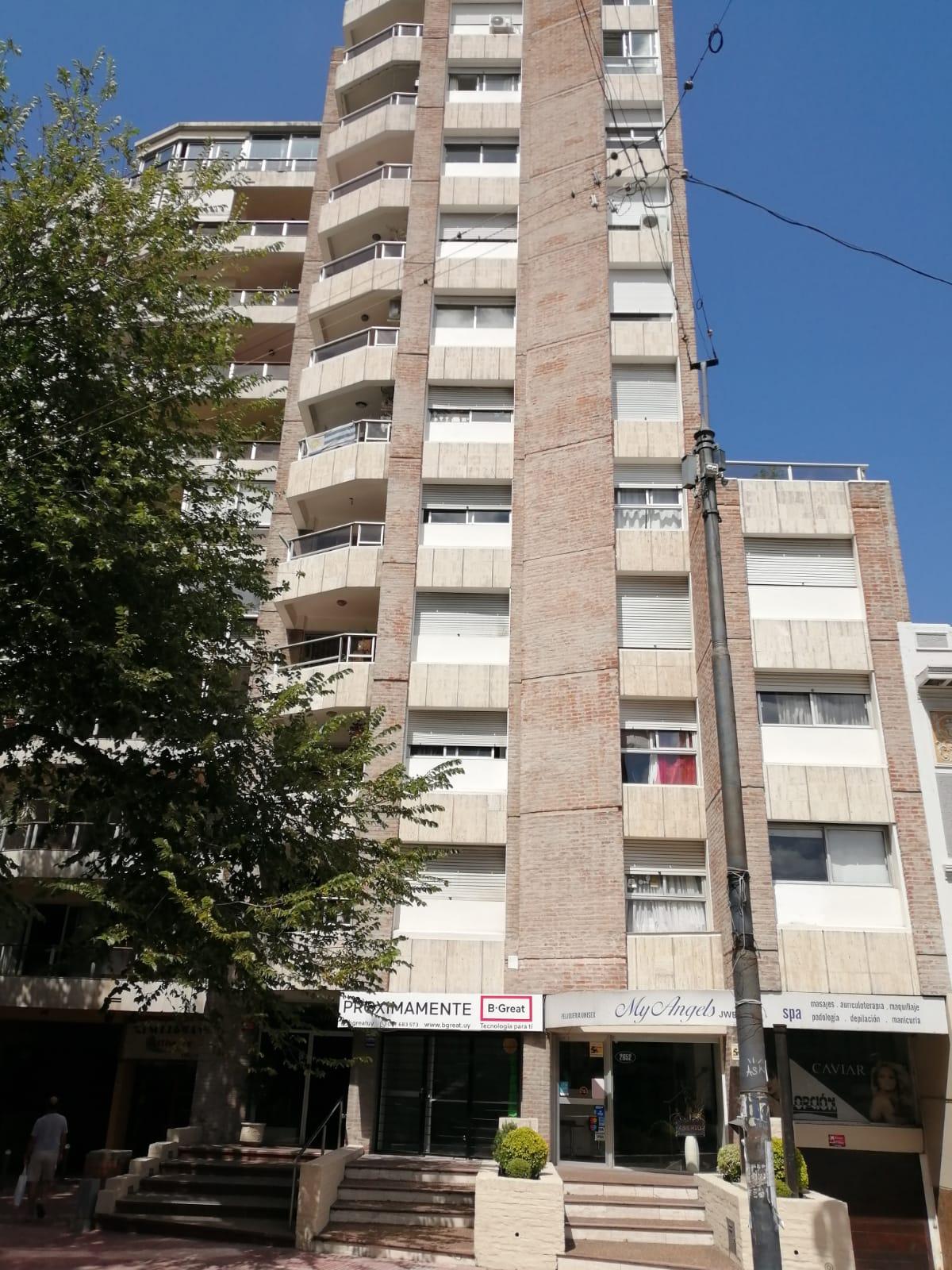 Venta de Apartamento de 2 dormitorios en barrio Pocitos.